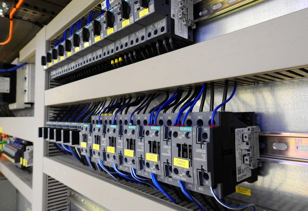 Multilevel Multistate Voltage Regulator