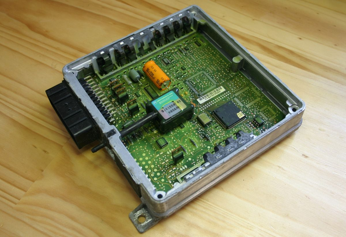 MEMS Dipole/Monopole Antenna for Wireless Systems