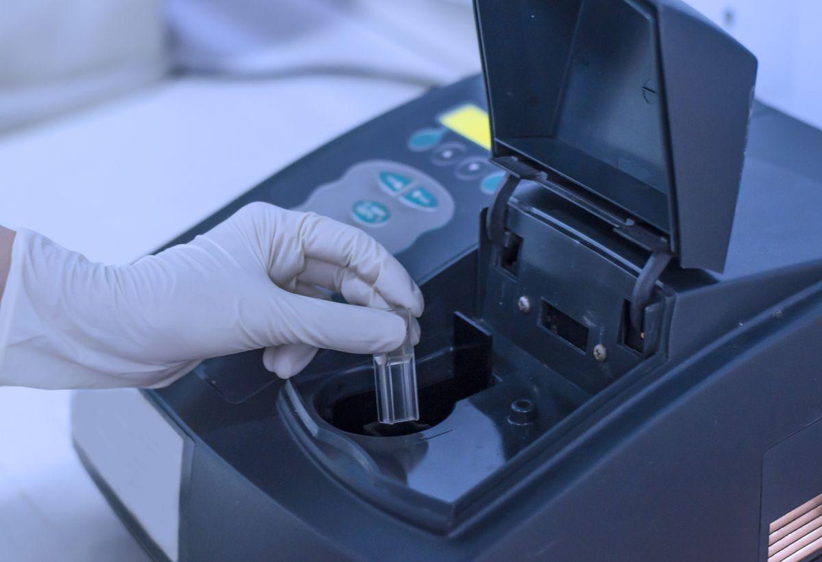 Plasmonic Meta-Surface Based Molecular Sensors