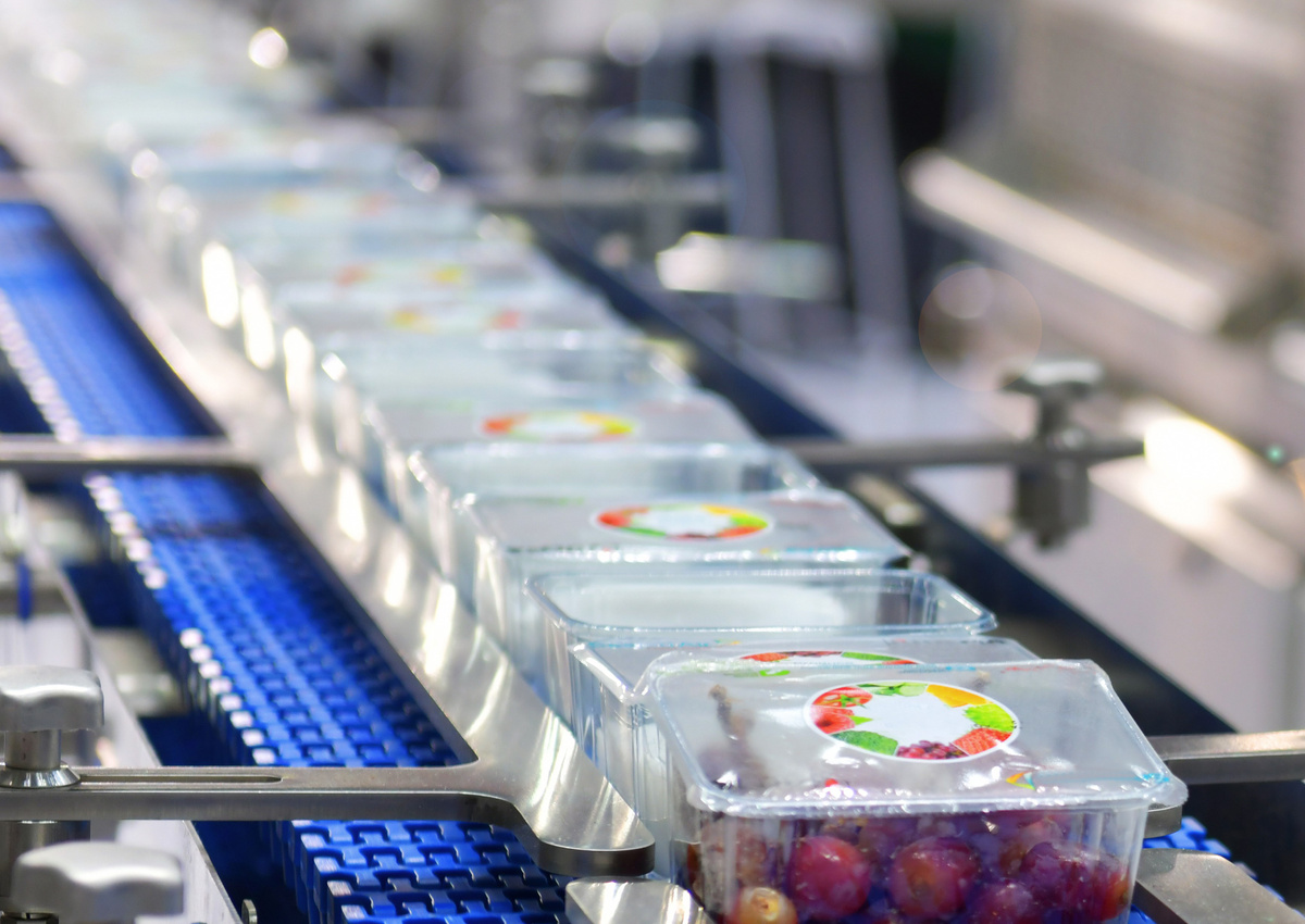 Real-time Monitoring of the State of Packaged Foods